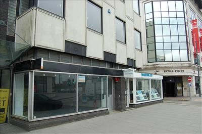 Thumbnail Retail premises to let in 48 High Street, Slough