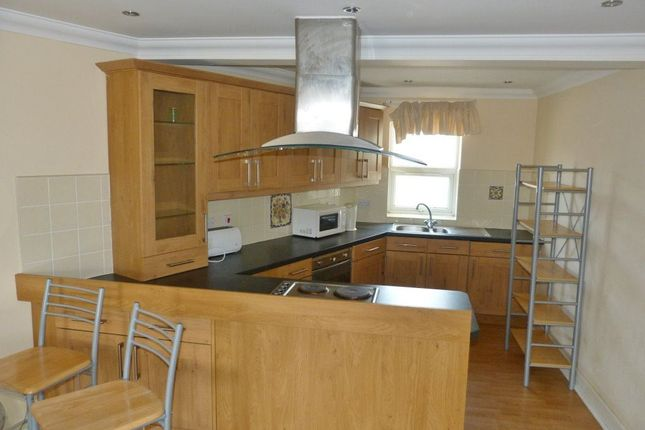 Thumbnail Flat to rent in Moira Place, Roath, Cardiff
