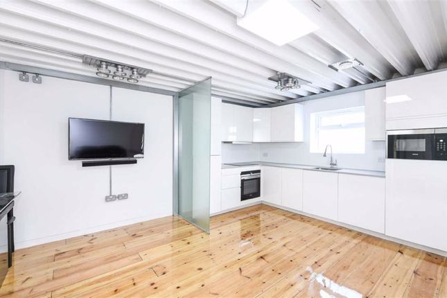 Thumbnail Flat for sale in Scout Way, Mill Hill, London