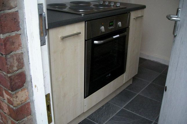 Thumbnail Terraced house to rent in Thornton Road, Fallowfield, Manchester