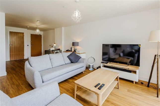 Thumbnail Flat for sale in Century Tower, Chelmsford, Essex