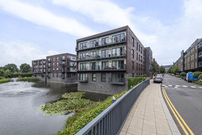 Thumbnail Flat to rent in Monarch Court, Stanmore
