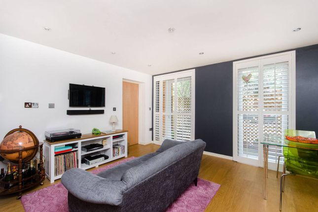 Thumbnail Flat to rent in Walton Road, Manor Park, London E125Bn