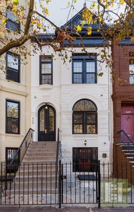 6 bed town house for sale in 458 Hancock Street, Brooklyn, New York, United States Of America