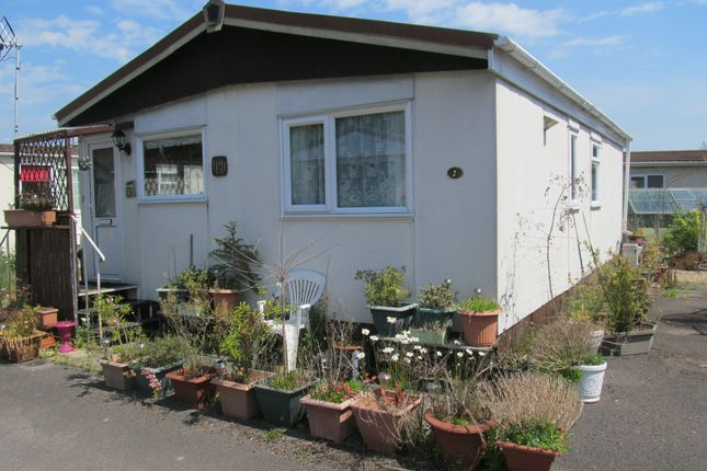 Thumbnail Mobile/park home for sale in Hatch Park (Ref 5906), Old Basing, Basingstoke, Hampshire