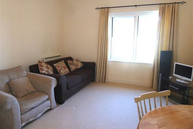 2 bed flat to rent in Ford Park Crescent, Ulverston