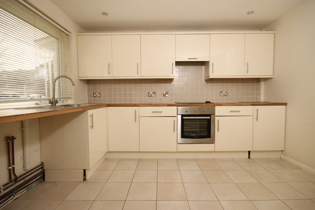Thumbnail Property to rent in Chapel Street, Chichester