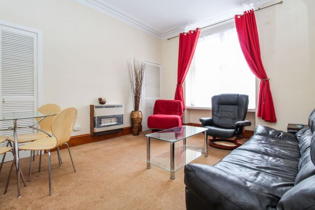 Lounge of 7 Glenbervie Road, Aberdeen AB11