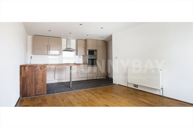 2 bed flat to rent in Cheltenham Road, Nunhead