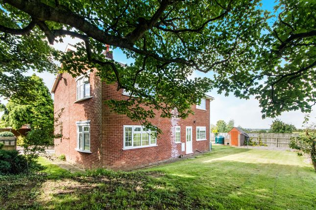 Thumbnail Detached house for sale in Castle Hill, Welbourn, Lincoln