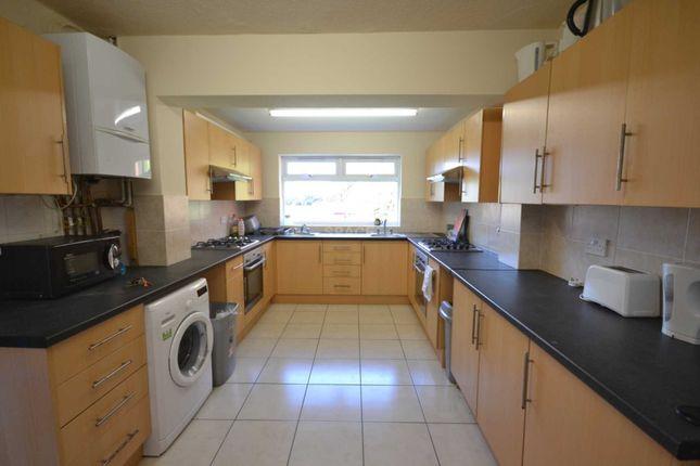 Thumbnail Terraced house to rent in Basingstoke Road, Reading, Berkshire, 0Et.