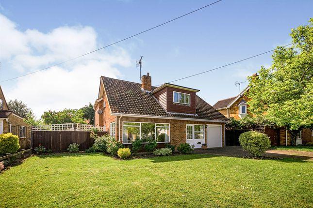 Thumbnail Detached house for sale in The Fairway, Burnham, Slough