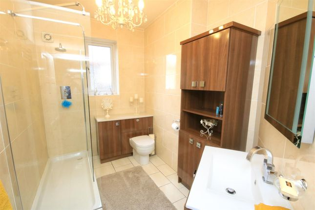 Bathroom of The Avenue, Bessacarr, Doncaster DN4