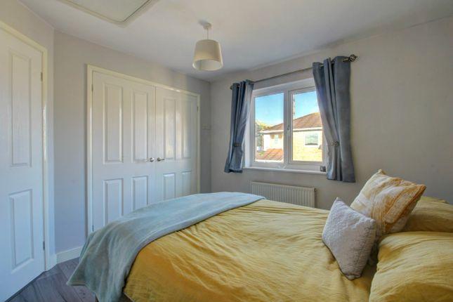 Bedroom (1) of Huckleberry Close, Walnut Tree, Milton Keynes MK7