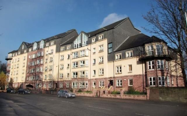 Thumbnail Flat to rent in 2.3, 172 Crow Road, Glasgow