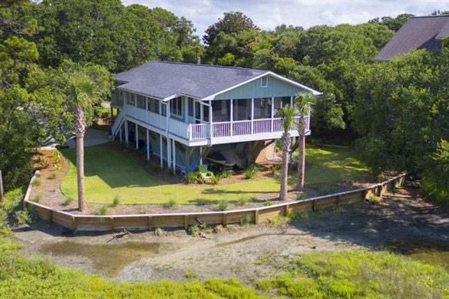 Cottage for sale in Folly Beach, South Carolina, United States Of America