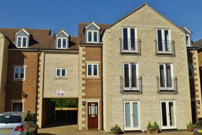 Thumbnail Flat for sale in Burley Road, Oakham