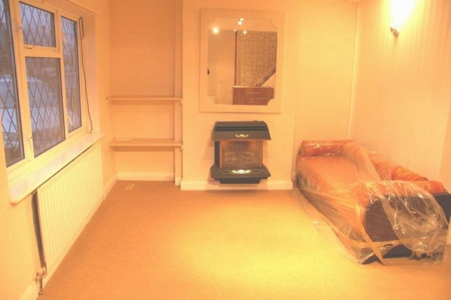 Thumbnail Semi-detached house to rent in Balmoral Drive, Hayes