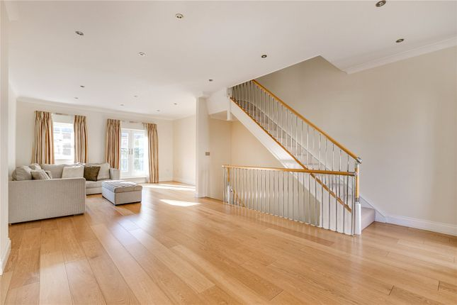 Thumbnail Terraced house for sale in Canal Boulevard, London