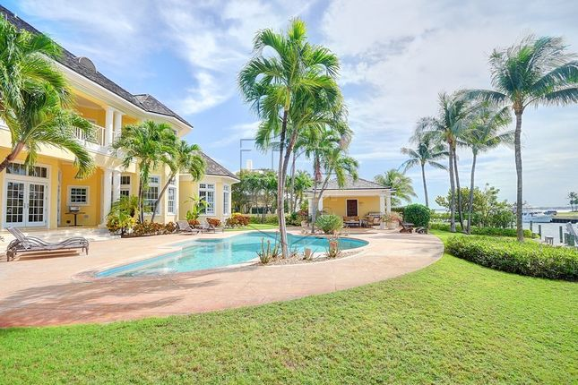 6 bed property for sale in Ocean Club Estates, Paradise Island, The Bahamas