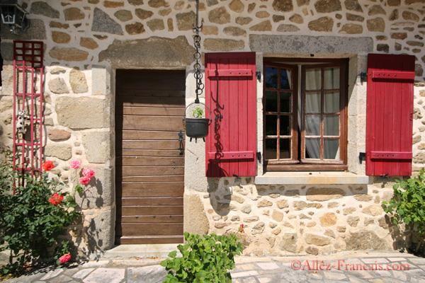 4 bed property for sale in Saint Estèphe, Dordogne, 24360, France