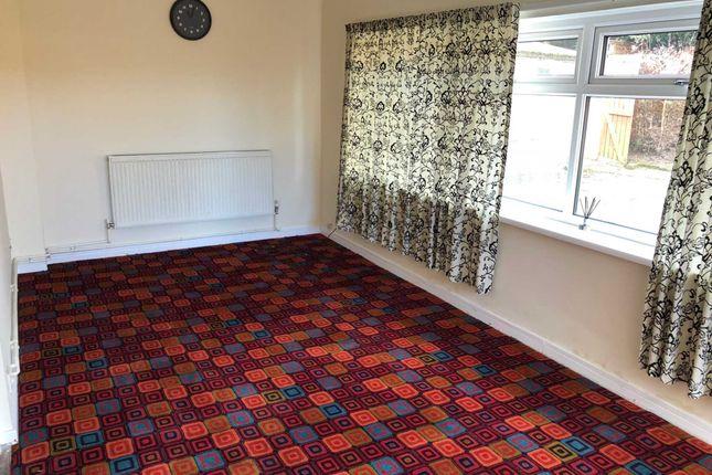 Thumbnail Flat to rent in Leeds Road, Dewsbury