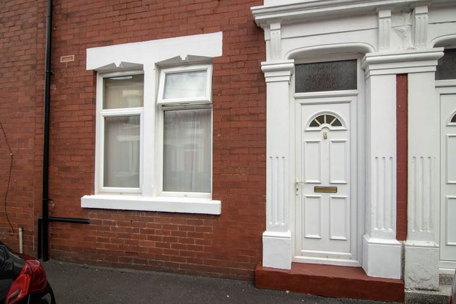 Thumbnail Flat to rent in De Lacy Street, Ashton-On-Ribble, Preston, Lancashire