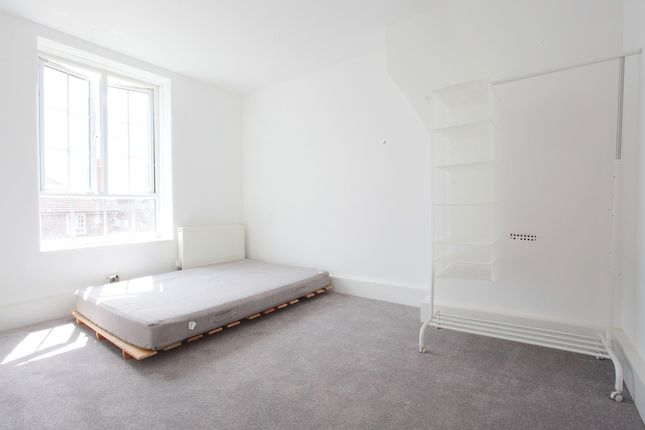 Thumbnail Flat to rent in Wheatland House, London