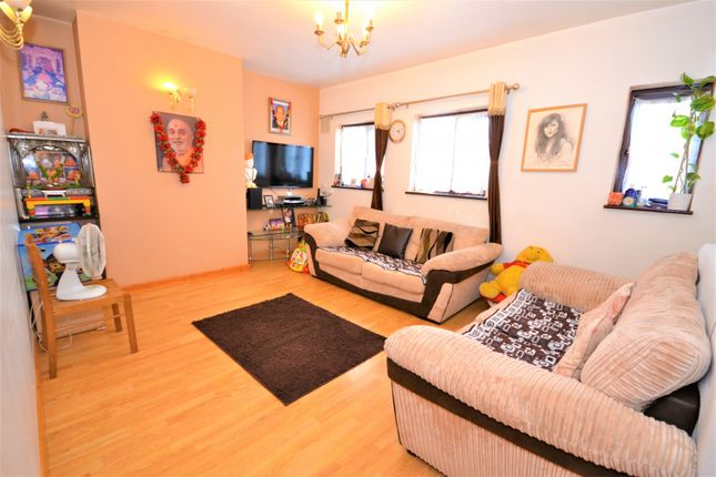 Thumbnail Flat for sale in Hillfield Avenue, Wembley