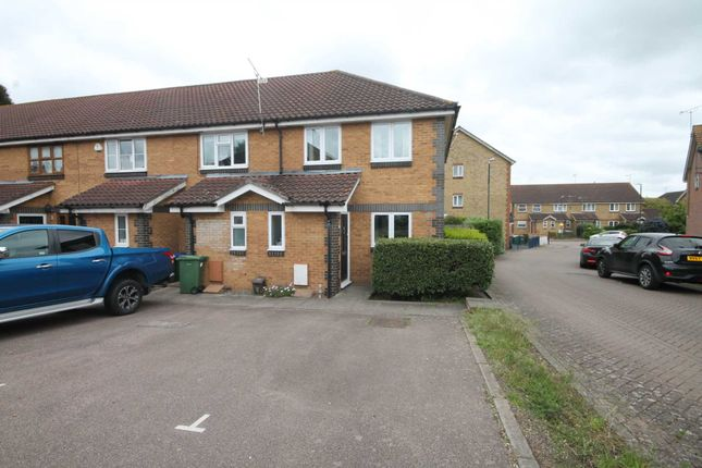 Thumbnail Property for sale in Dabbling Close, Erith