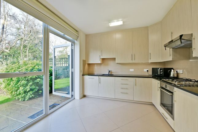 Thumbnail Flat to rent in Amherst Road, London