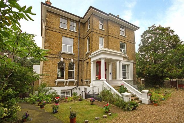 Thumbnail Flat for sale in Anlaby Road, Teddington