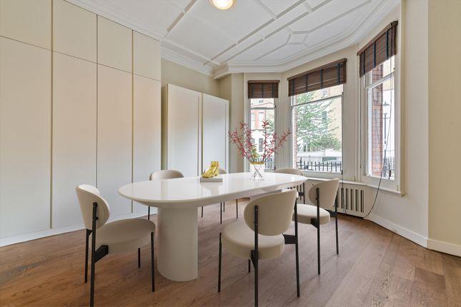 Maisonette to rent in Elm Park Road, Chelsea, London