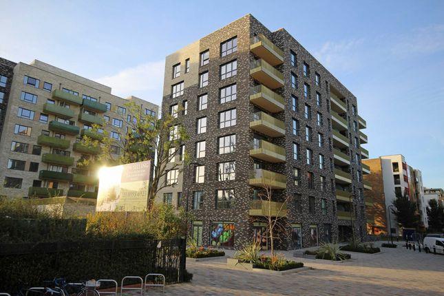 Thumbnail Flat to rent in Acton