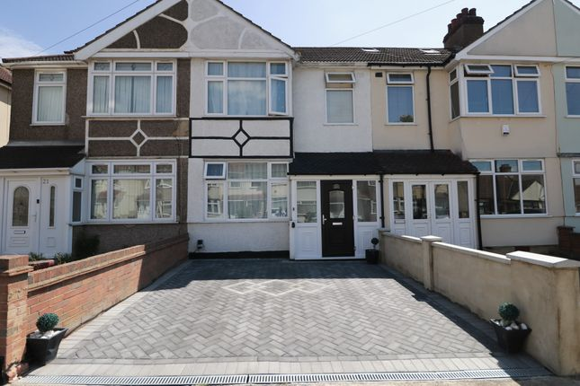 Thumbnail Terraced house to rent in Ellis Avenue, Rainham, Essex