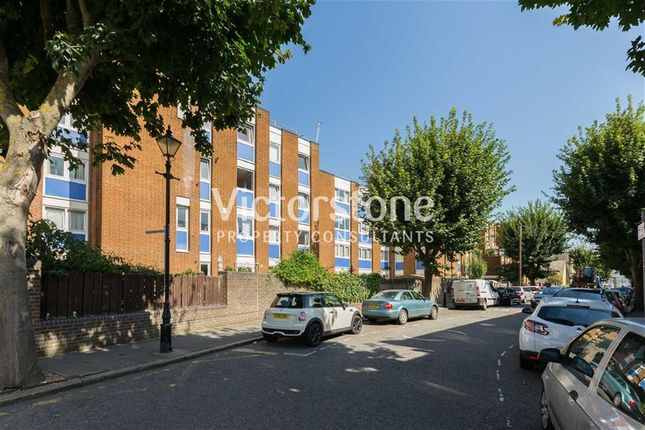 3 bed maisonette to rent in Gernon Road, Mile End, London