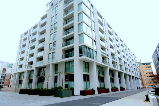 Parking/garage to rent in Lanterns Way, London
