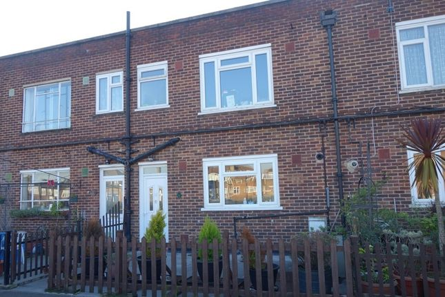 Thumbnail Shared accommodation to rent in Tolworth Broadway, Surbiton