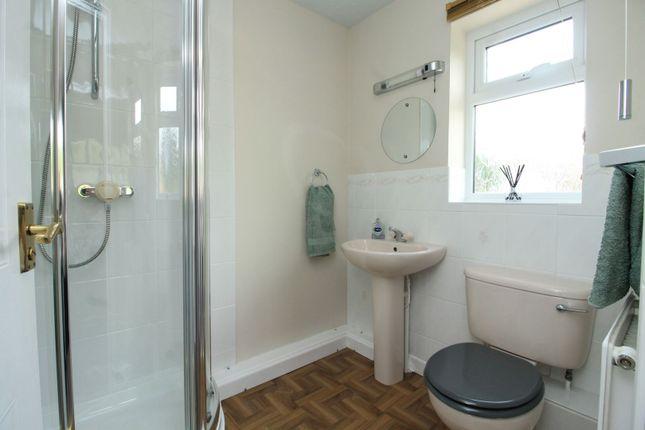 En-Suite of Yeoman Close, Ledbury HR8