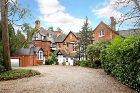 Flat for sale in Scotswood, Devenish Road, Sunningdale, Ascot