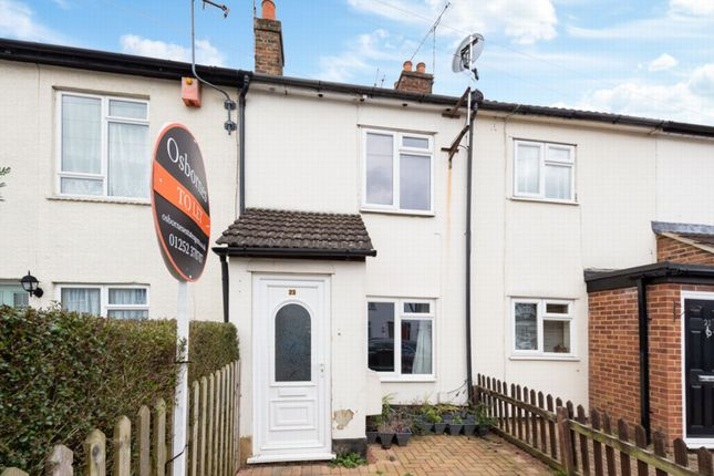 Thumbnail Terraced house to rent in Somerset Road, Farnborough