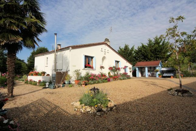 4 bed property for sale in Auge St Medard, Poitou-Charentes, France