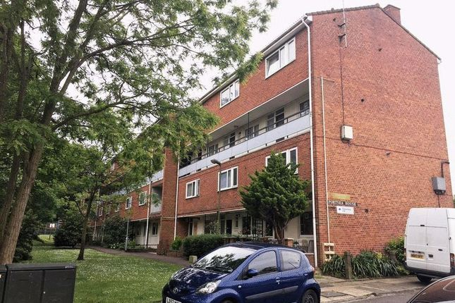 Thumbnail Flat to rent in Petersfield Rise, London