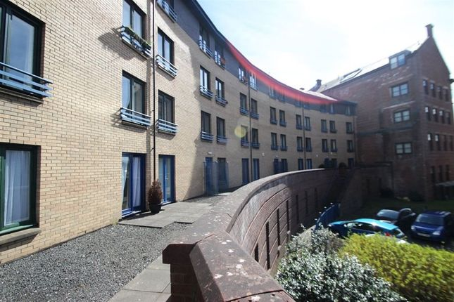 Thumbnail Flat to rent in Turnbull Street, Glasgow