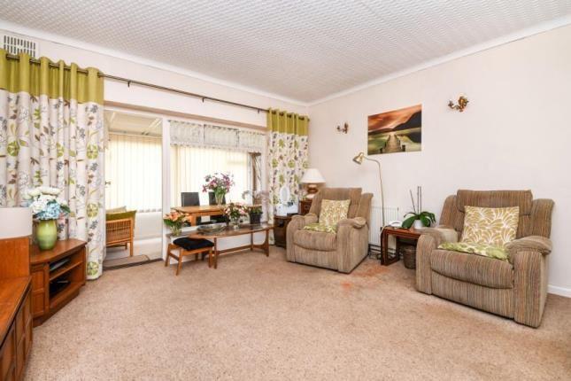 Picture No.03 of Fairview Avenue, Rainham RM13