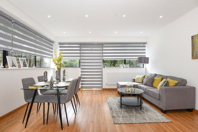 Thumbnail Flat to rent in Southfield Road, Eynsham