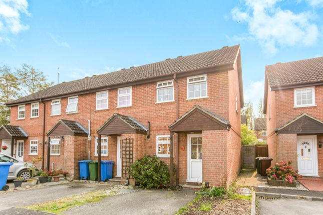 Thumbnail End terrace house to rent in Droitwich Close, Bracknell