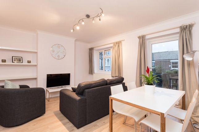 Thumbnail Flat to rent in Munster Road, Parsons Green, London, Greater London