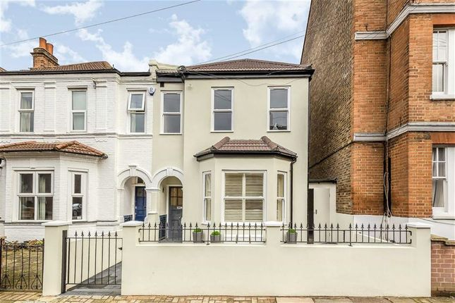 Thumbnail Flat for sale in Hosack Road, Balham