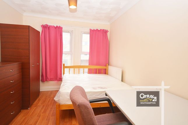 Thumbnail Flat to rent in |Ref:108A|, St. Marys Road, Southampton